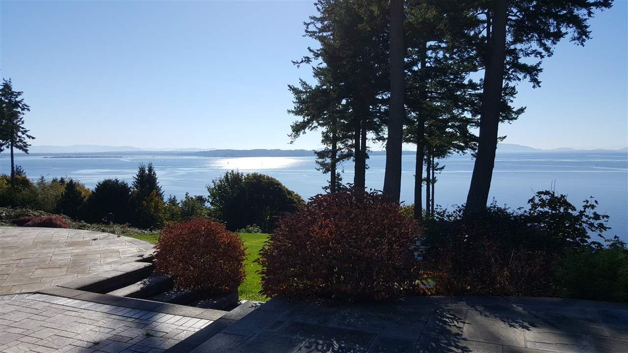 """Photo 5: Photos: 13836 MARINE Drive: White Rock House for sale in """"Marine Drive West"""" (South Surrey White Rock)  : MLS®# R2355355"""