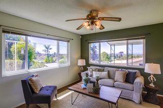 Photo 6: VISTA House for sale : 3 bedrooms : 2155 Warmlands Avenue