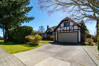 Photo 1: 2214 DAWES HILL Road in Coquitlam: Cape Horn House for sale : MLS®# R2566880