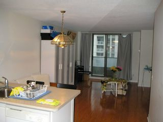 Photo 18: 1811 750 Bay Street in Toronto: Bay Street Corridor Condo for lease (Toronto C01)  : MLS®# C5301954