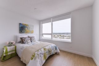 """Photo 1: 2211 988 QUAYSIDE Drive in New Westminster: Quay Condo for sale in """"RIVERSKY 2"""" : MLS®# R2368700"""