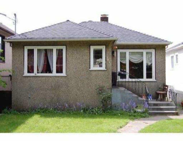 "Main Photo: 3431 GLEN Drive in Vancouver: Fraser VE House for sale in ""CEDAR COTTAGE"" (Vancouver East)  : MLS®# R2554627"