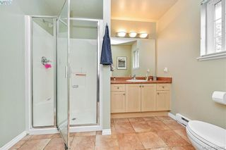Photo 12: 102 Stoneridge Close in VICTORIA: VR Hospital House for sale (View Royal)  : MLS®# 841008