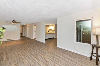 Photo 3: 3 4125 Interurban Rd in : SW Northridge Row/Townhouse for sale (Saanich West)  : MLS®# 861299