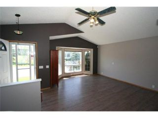 Photo 2: 70 MARTINWOOD Road NE in CALGARY: Martindale Residential Detached Single Family for sale (Calgary)  : MLS®# C3531197