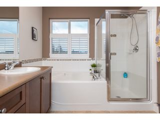 """Photo 13: 2060 RIESLING Drive in Abbotsford: Aberdeen House for sale in """"Pepin Brook"""" : MLS®# R2435586"""