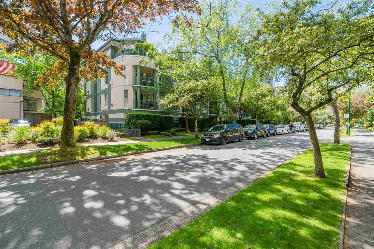 """Main Photo: 408 1928 NELSON Street in Vancouver: West End VW Condo for sale in """"WESTPARK HOUSE"""" (Vancouver West)  : MLS®# R2592664"""