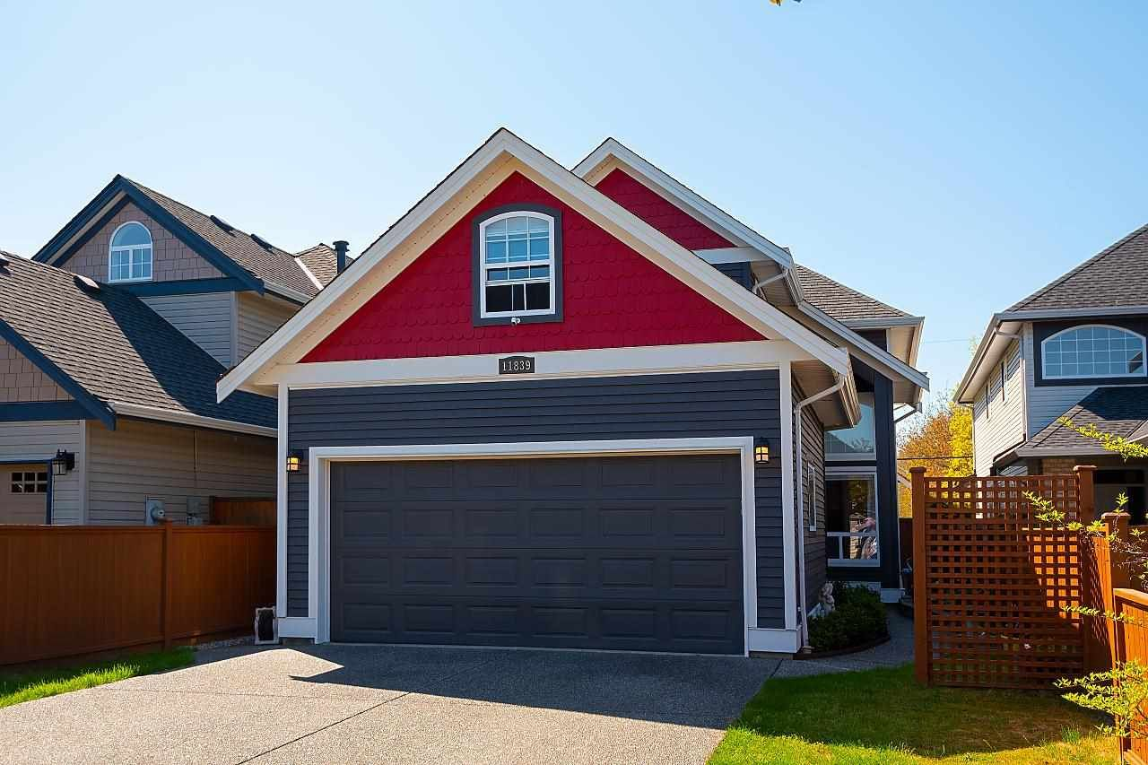 """Main Photo: 11839 DUNFORD Road in Richmond: Steveston South House for sale in """"THE """"DUNS"""""""" : MLS®# R2583077"""