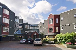 "Photo 1: 201 121 W 29TH Street in North Vancouver: Upper Lonsdale Condo for sale in ""Somerset Green"" : MLS®# R2066610"