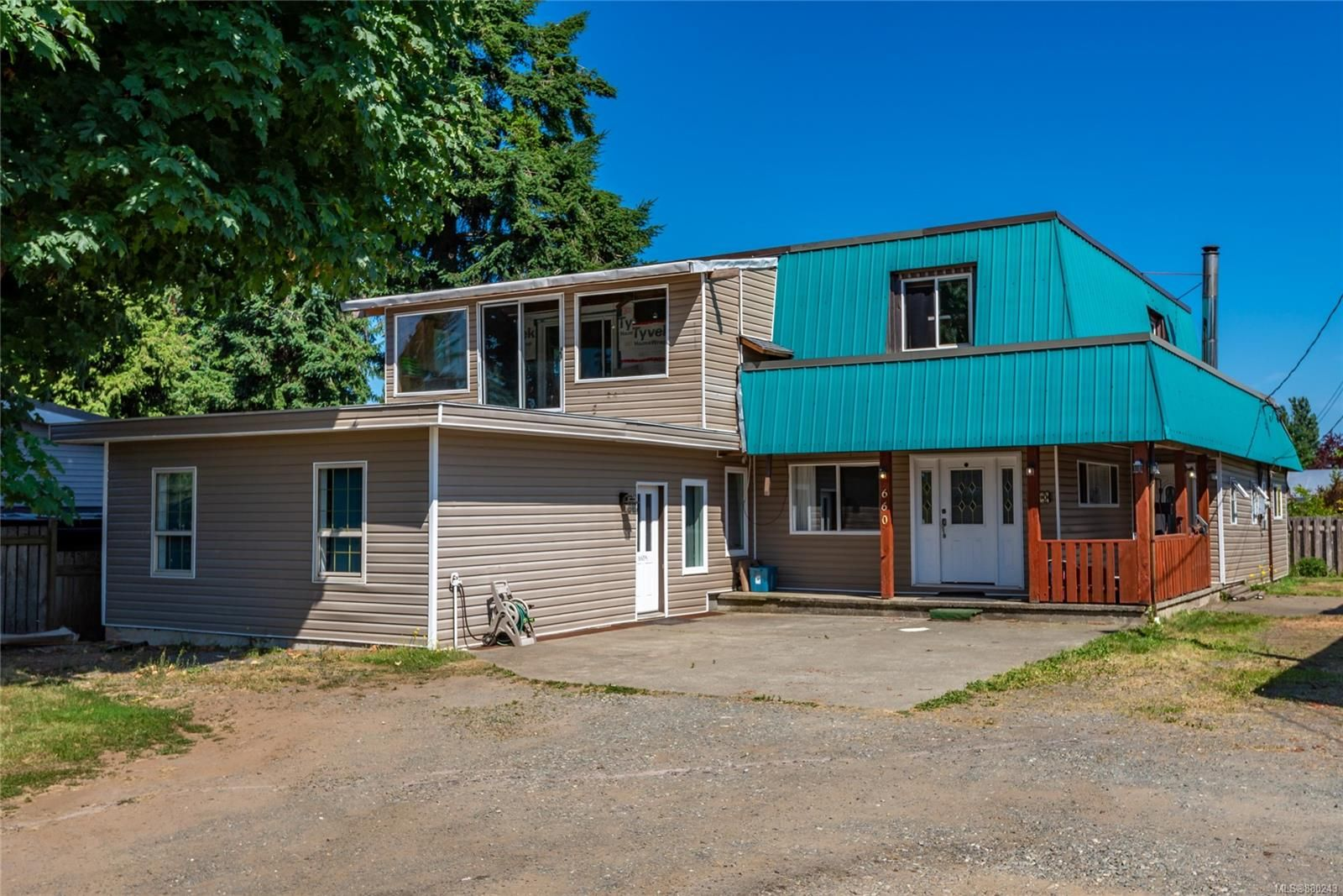 Main Photo: 660 Evergreen Rd in : CR Campbell River Central House for sale (Campbell River)  : MLS®# 880243