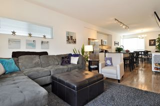 """Photo 3: 32 2325 RANGER Lane in Port Coquitlam: Riverwood Townhouse for sale in """"FREEMONT BLUE"""" : MLS®# R2431249"""