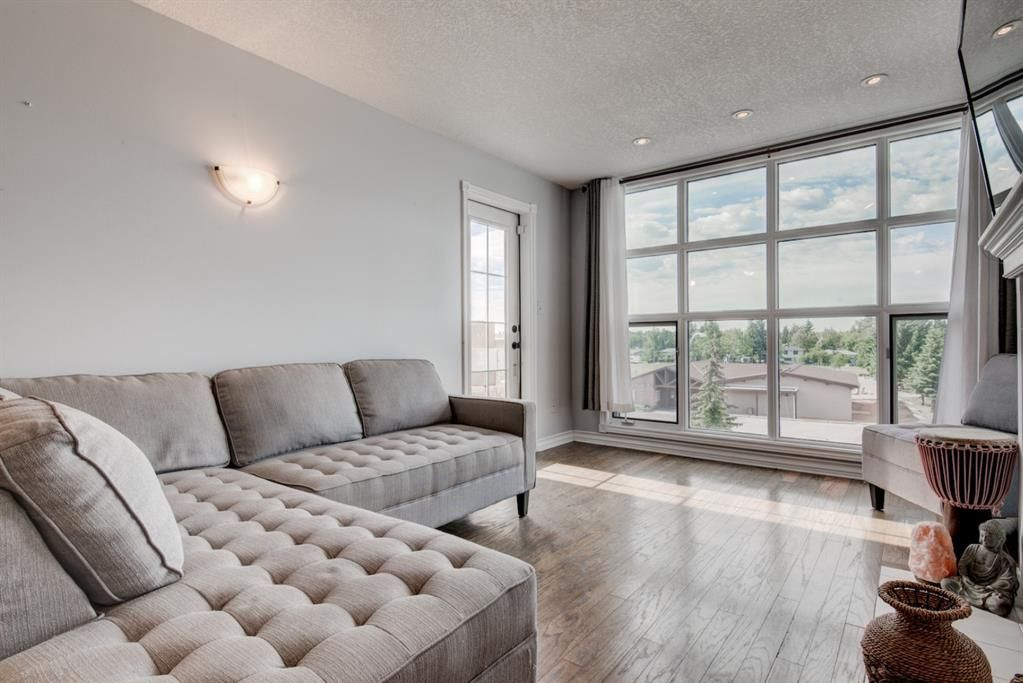 Main Photo: 304 4944 8 Avenue SW in Calgary: Westgate Apartment for sale : MLS®# A1140924