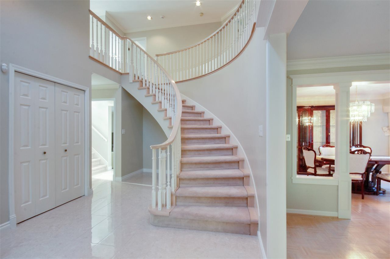 Photo 2: Photos:  in North Vancouver: Upper Lonsdale House for sale