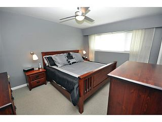 """Photo 12: 4522 62ND Street in Ladner: Holly House for sale in """"HOLLY"""" : MLS®# V990375"""