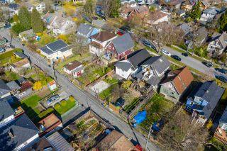 "Photo 14: 2142 NAPIER Street in Vancouver: Grandview Woodland House for sale in ""Grandview Woodland"" (Vancouver East)  : MLS®# R2450268"