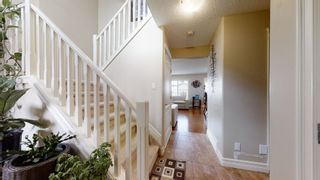 Photo 5: 2916 25 Avenue in Edmonton: Zone 30 House for sale : MLS®# E4264785