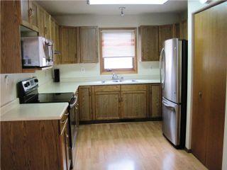 Photo 3: 143 AMERSHAM Crescent in WINNIPEG: St Vital Residential for sale (South East Winnipeg)  : MLS®# 1014356