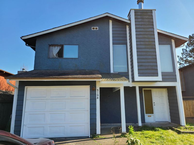 FEATURED LISTING: 3194 TOBA Drive Coquitlam