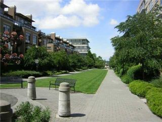 """Photo 2: 812 2799 YEW Street in Vancouver: Kitsilano Condo for sale in """"TAPESTRY"""" (Vancouver West)  : MLS®# V996457"""