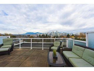 """Photo 4: A2 1100 W 6TH Avenue in Vancouver: Fairview VW Townhouse for sale in """"FAIRVIEW PLACE"""" (Vancouver West)  : MLS®# V1094784"""