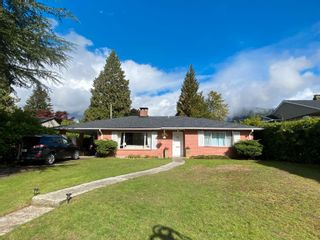Photo 1: 918 WENTWORTH Avenue in North Vancouver: Forest Hills NV House for sale : MLS®# R2624148