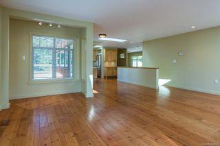 Photo 5: 797 Lazo Rd in : CV Comox Peninsula House for sale (Comox Valley)  : MLS®# 869860