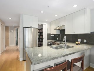 Photo 1: 307 1477 W 15TH AVENUE in Vancouver: Fairview VW Condo for sale (Vancouver West)  : MLS®# R2419107