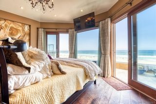 Photo 13: MISSION BEACH House for sale : 5 bedrooms : 3409 Ocean Front Walk in San Diego