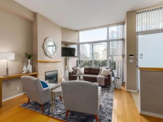 Photo 2: 188 BOATHOUSE MEWS in Vancouver: Yaletown Townhouse for sale (Vancouver West)  : MLS®# R2048357