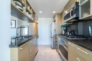 "Photo 10: 2811 833 SEYMOUR Street in Vancouver: Downtown VW Condo for sale in ""CAPITOL RESIDENCE"" (Vancouver West)  : MLS®# R2357159"