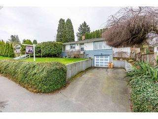 Photo 3: 2367 MCKENZIE Road in Abbotsford: Central Abbotsford House for sale : MLS®# R2559914