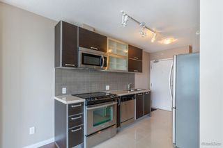 """Photo 9: 2701 9981 WHALLEY Boulevard in Surrey: Whalley Condo for sale in """"PARK PLACE ii"""" (North Surrey)  : MLS®# R2608443"""