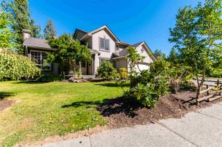 Photo 1: 47556 CHARTWELL Drive in Chilliwack: Little Mountain House for sale : MLS®# R2495101