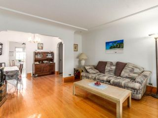 """Photo 5: 4281 VICTORIA Drive in Vancouver: Victoria VE House for sale in """"CEDAR COTTAGE"""" (Vancouver East)  : MLS®# R2151080"""