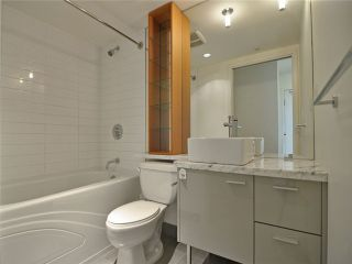 """Photo 7: 1201 33 SMITHE Street in Vancouver: Yaletown Condo for sale in """"Coopers Lookout"""" (Vancouver West)  : MLS®# V924404"""