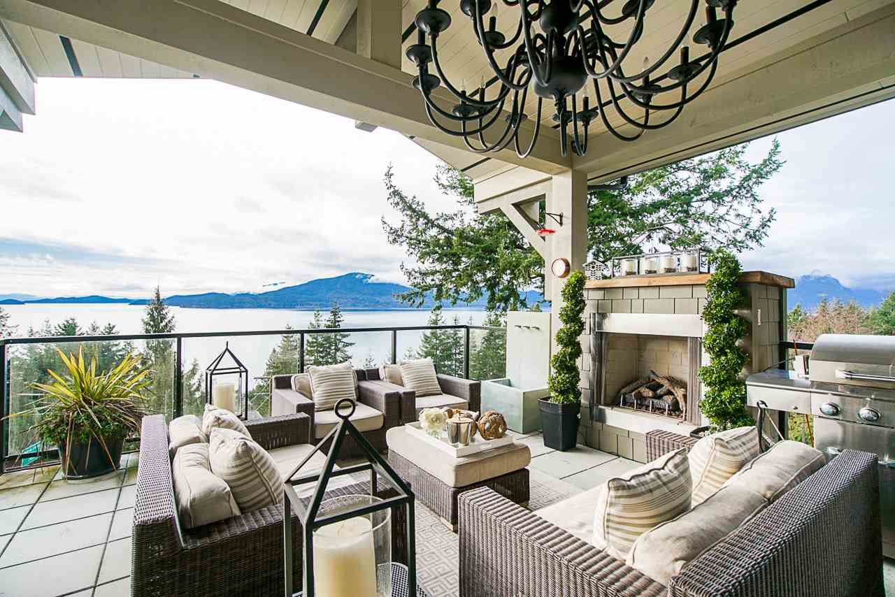 Main Photo: 350 BAYVIEW Road in West Vancouver: Lions Bay House for sale : MLS®# R2537290