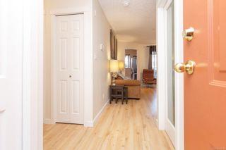Photo 4: 211 689 Bay St in : Vi Downtown Condo for sale (Victoria)  : MLS®# 855378