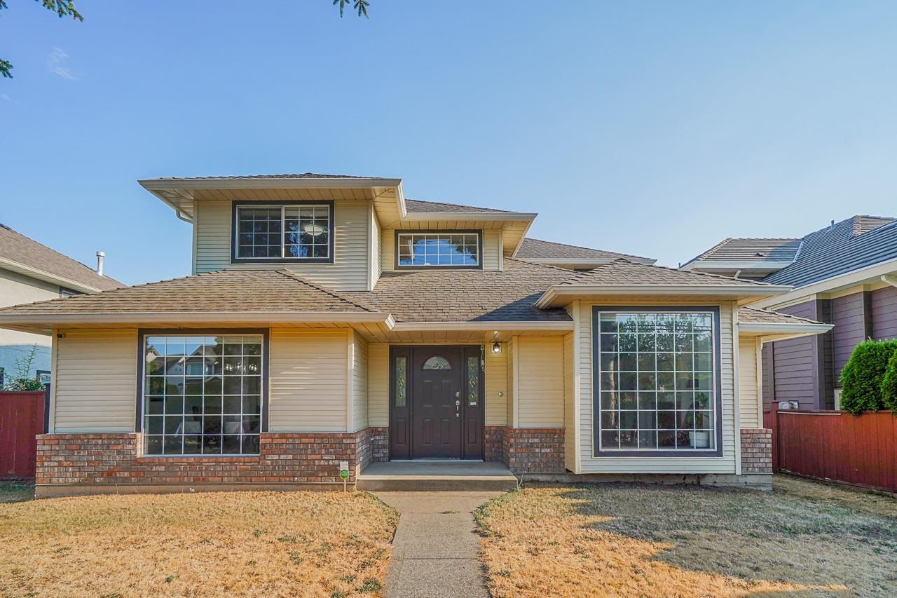 Main Photo: 18502 64 Avenue in Surrey: Cloverdale BC House for sale (Cloverdale)  : MLS®# R2606706