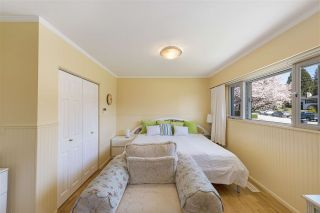 """Photo 8: 919 DUNDONALD Drive in Port Moody: Glenayre House for sale in """"Glenayre"""" : MLS®# R2353817"""