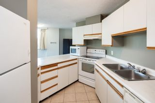 """Photo 10: 808 3970 CARRIGAN Court in Burnaby: Government Road Condo for sale in """"THE HARRINGTON"""" (Burnaby North)  : MLS®# R2616331"""