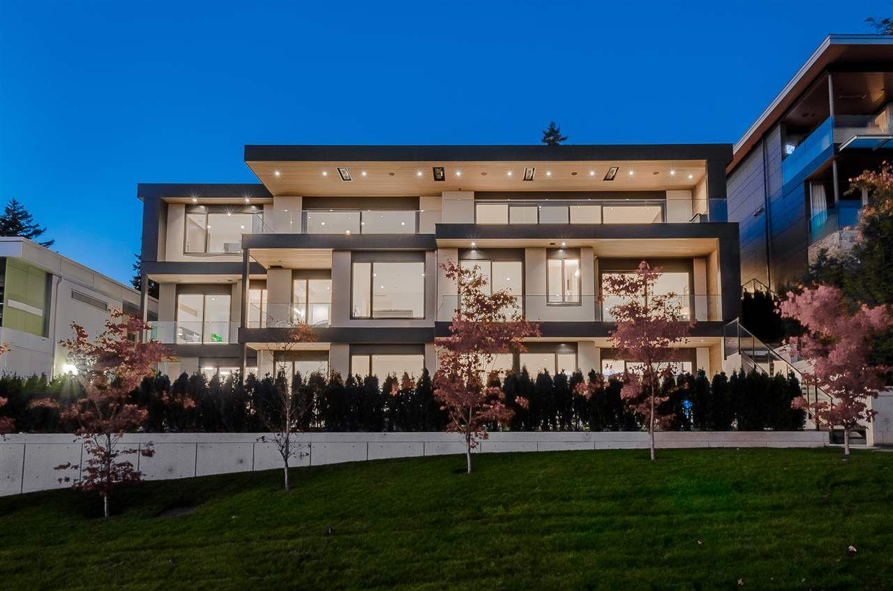 Main Photo: 14858 HARDIE Avenue: White Rock House for sale (South Surrey White Rock)  : MLS®# R2531525