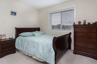 "Photo 10: 30 6971 122 Street in Surrey: West Newton Townhouse for sale in ""Aura"" : MLS®# R2440521"
