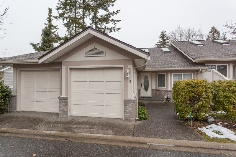 """Main Photo: 9 15099 28 Avenue in Surrey: Elgin Chantrell Townhouse for sale in """"THE GARDENS"""" (South Surrey White Rock)  : MLS®# R2145923"""