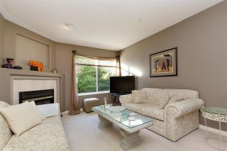 """Photo 3: 1 19270 122A Avenue in Pitt Meadows: Central Meadows Townhouse for sale in """"HERON COURT"""" : MLS®# R2433591"""