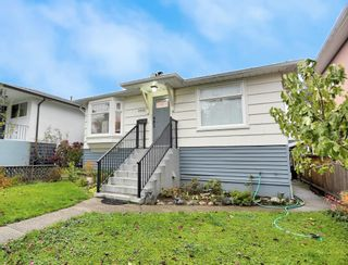 Photo 3: 1939 E 39TH Avenue in Vancouver: Victoria VE House for sale (Vancouver East)  : MLS®# R2625525