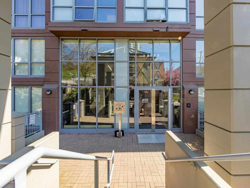 FEATURED LISTING: 1701 - 850 ROYAL Avenue New Westminster