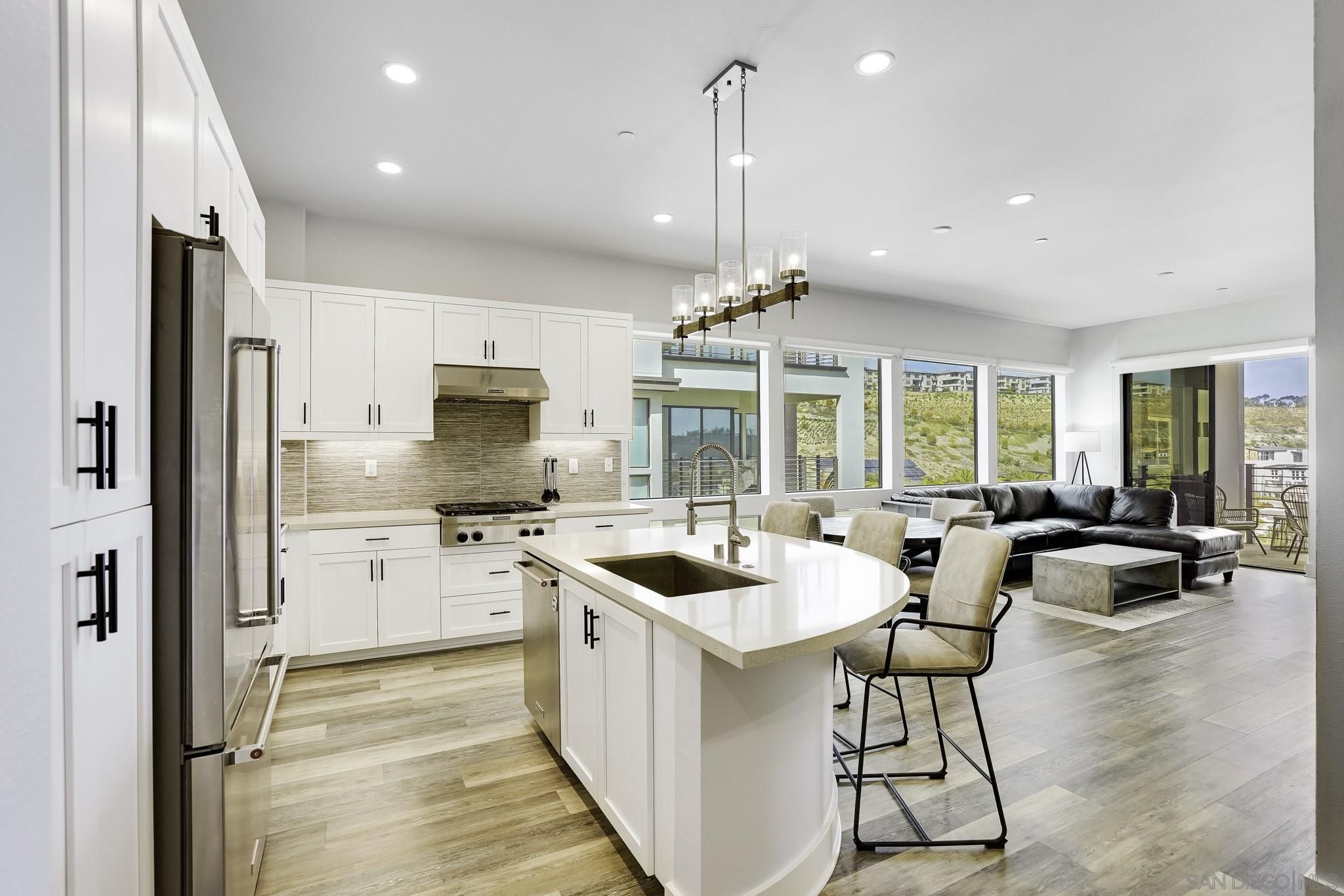 Main Photo: MISSION VALLEY Condo for sale : 2 bedrooms : 8549 Aspect Dr. in San Diego
