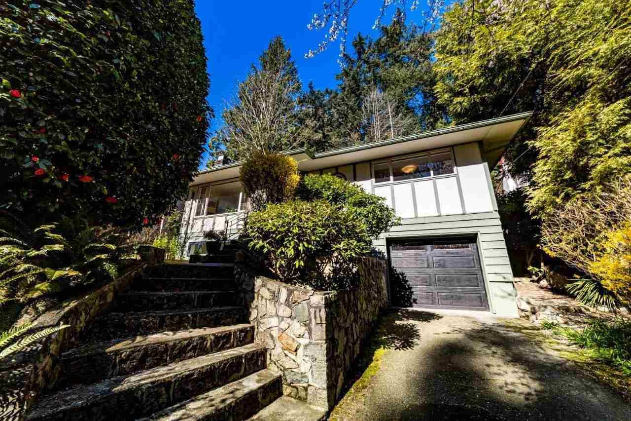 Main Photo: 6427 NELSON Avenue in West Vancouver: Horseshoe Bay WV House for sale : MLS®# R2585769