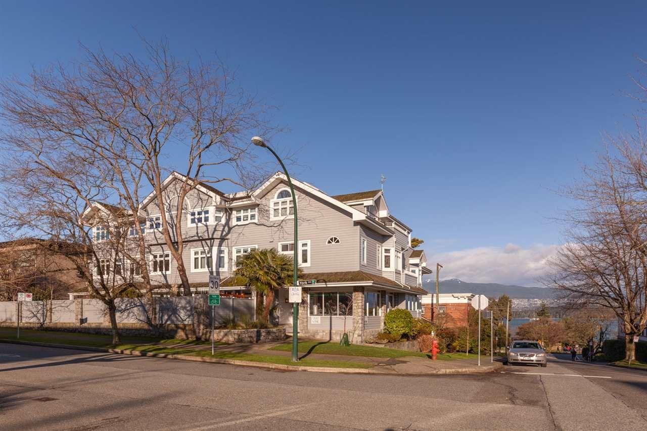 "Photo 38: Photos: 11 1535 VINE Street in Vancouver: Kitsilano Condo for sale in ""Vine Grove"" (Vancouver West)  : MLS®# R2530154"