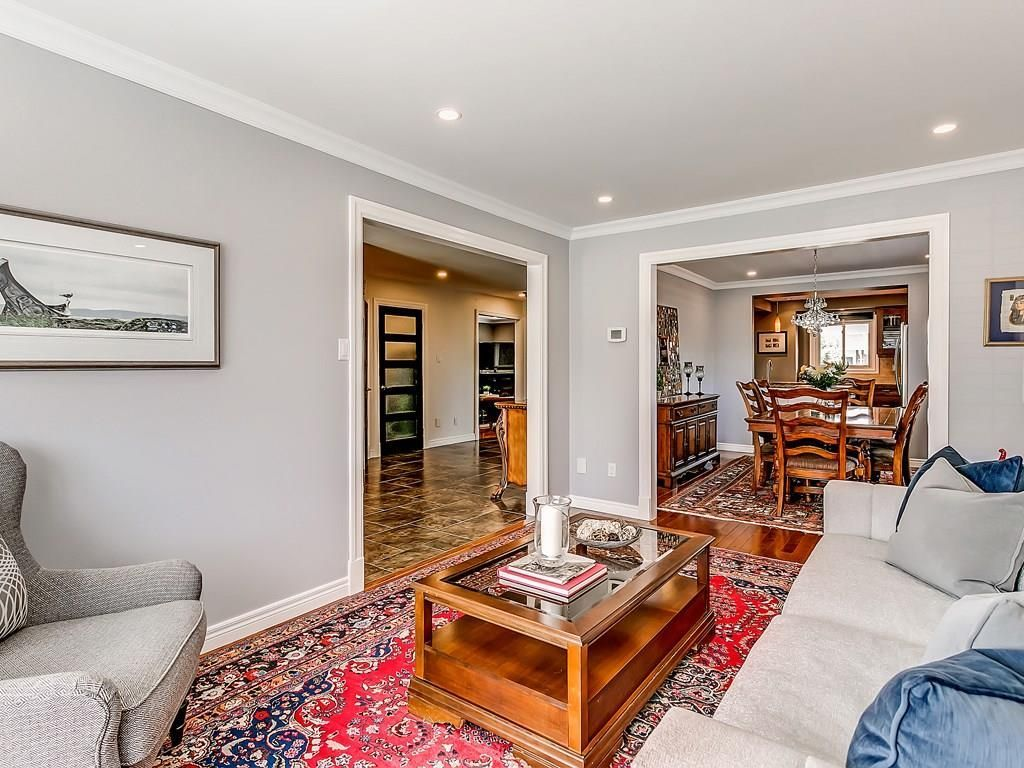 Photo 5: Photos: 2025 SUMMER WIND Drive in Burlington: Residential for sale : MLS®# H4030696